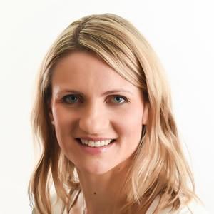 Dr. Karolina Kontewicz DDS, FRCD(C)